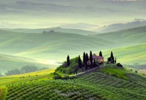 Hilltop Farm In Tuscany